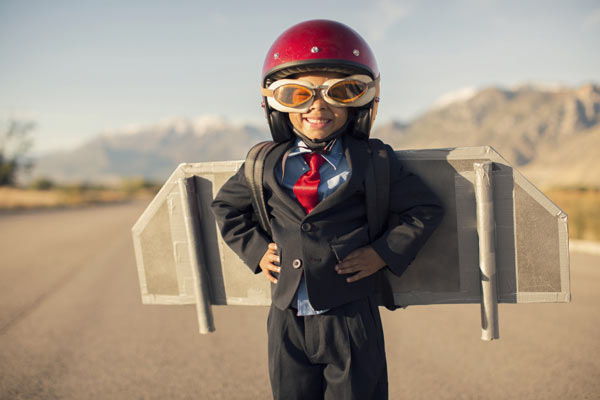 kid-helmet-rocket